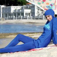 Femme sexy en burkini